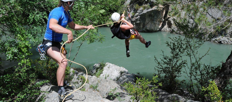 activity zipline river pyrenees